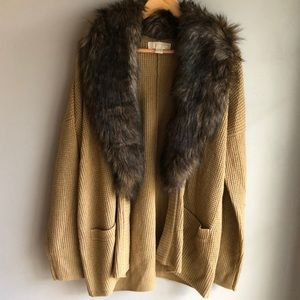 Michael Kors fur sweater size Xl great condition